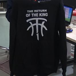 Черный образец печати свитера на A2 футболку принтера WER-D4880T