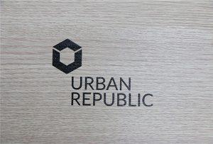 Печать логотипов на деревянных материалах WER-D4880UV
